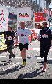 28. haspa Marathon Hamburg: Das Zehntel der Erwachsenen - Zieleinläufe bis ca. 26 min